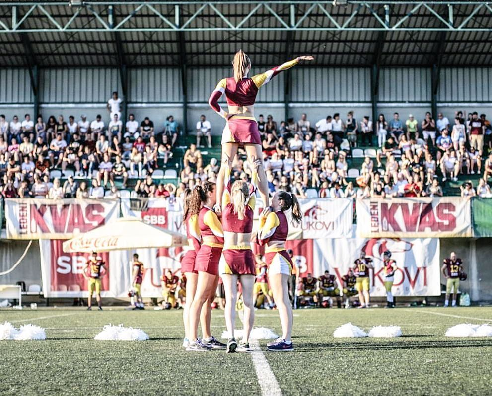 Vukovi Cheerleading Dance Team